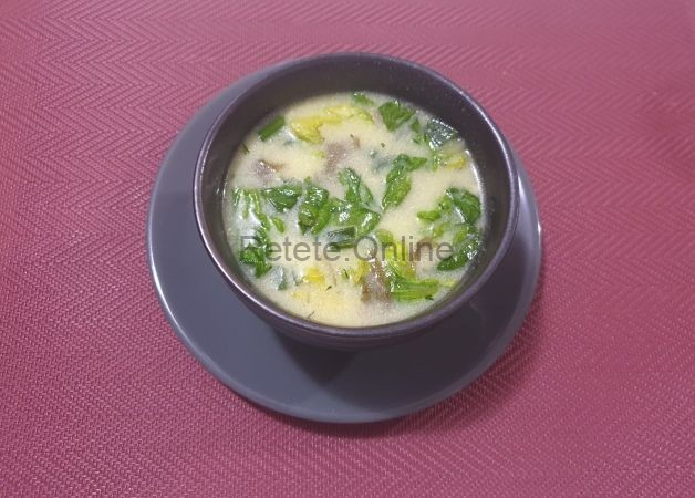 Ciorba de salata verde si macris