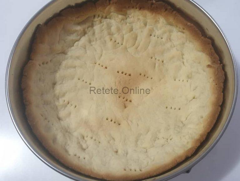 Blatul de cheesecake este gata