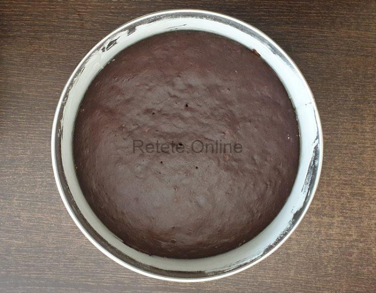 Introdu blatul in cuptorul preincalzit