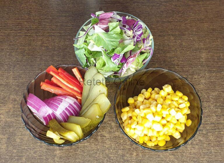 Prebateste legumele pentru burrito vegetarian